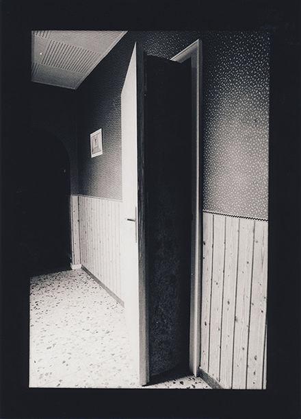 Gregor Schneider, u r 8, TOTAL ISOLIERTER TOTER RAUM, 1989