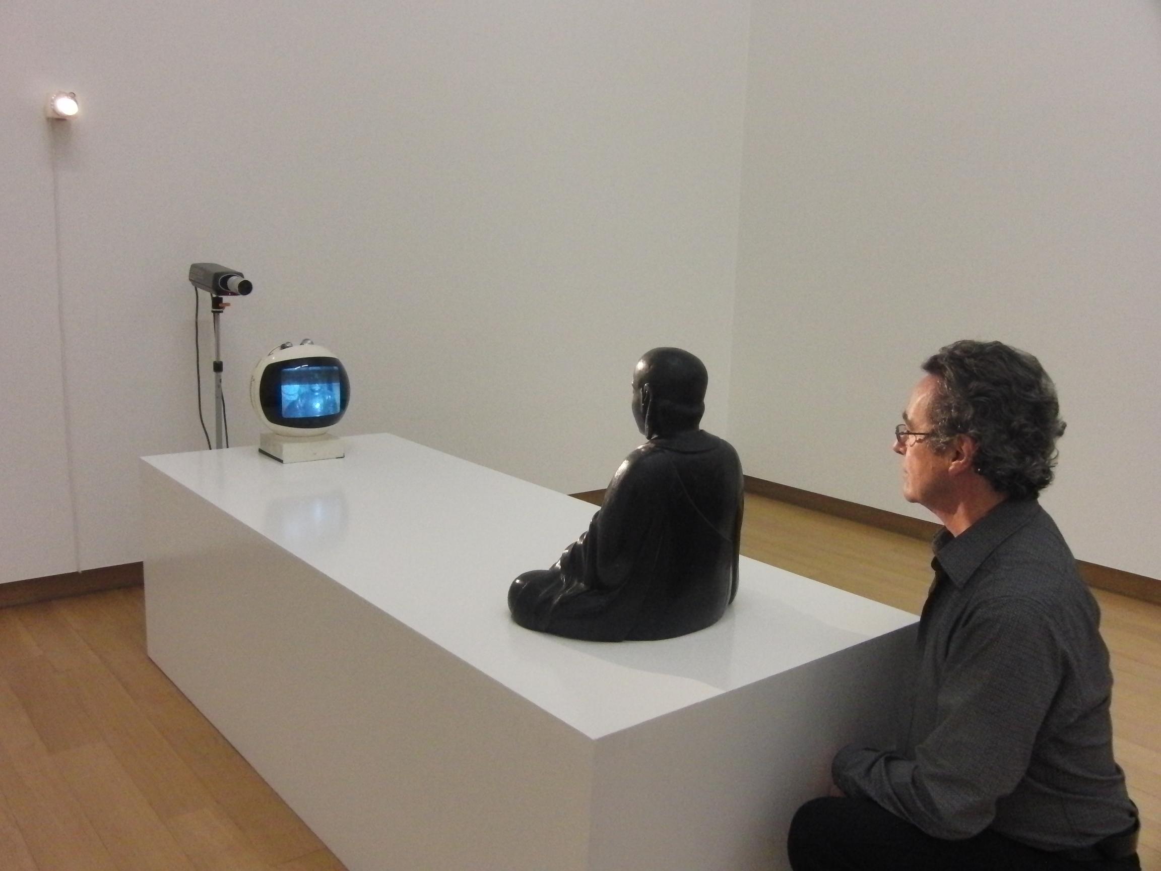TV Buddha von Nam June Paik